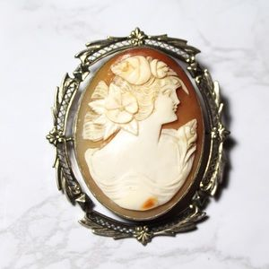 Vintage Right Facing Woman Silver Tone Shell Cameo